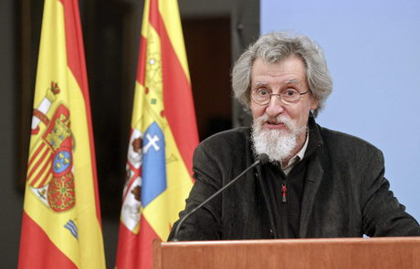 Rafael Navarro durante la entrega del Galardón. Fotografía de Heraldo de Aragón
